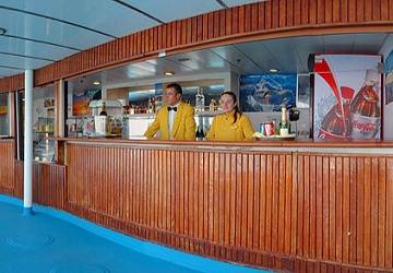 corsica_sardinia_ferries_mega_express_two_pool_bar